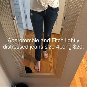 Low rise Abercrombie and Fitch 4L jeans